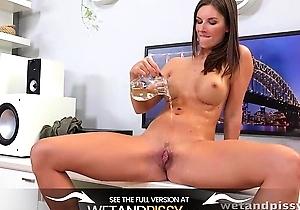 hd videos,japanese with big boobs,masturbating,orgasm,pissing,sex,sex toys,squirting,