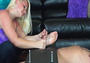 big dick,feet fetish,female domination,footjob,handjobs,hd videos,mistress,thick japanese women,