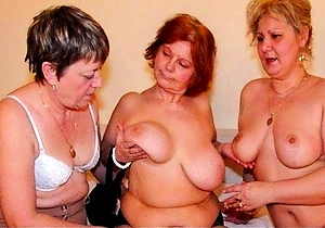 home sex,japan amateur,japan mature,japanese old ladies,masturbating,