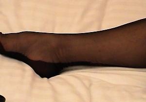 heels,japan amateur,japanese milf,leather,legs,mini skirt,nylon,stockings,