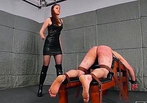female domination,japan bdsm,japan brunettes,mistress,spanking,