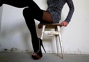 foot fetish,hd videos,heels,legs,nylon,pantyhose,stockings,upskirt,