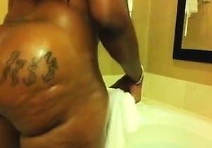 ebony,huge ass,in the bathroom,japan moms,japanese milf,tattoos,