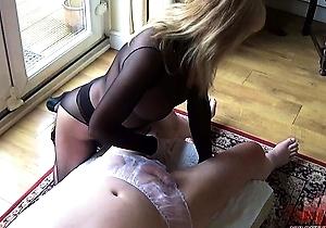 handjobs,hd videos,japanese milf,nylon,oiling,panties,pantyhose,