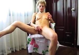 handjobs,japan mature,masturbating,orgasm,pussy,slim japan girls,