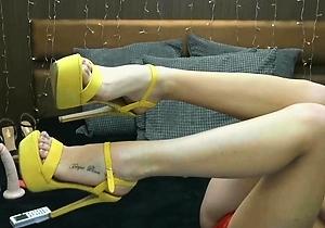 feet fetish,foot fetish,heels,home sex,japan erotic,legs,sexy japanese,slim japan girls,tattoos,young japanese,