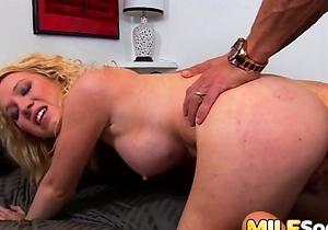 blowjob,cumshots,doggystyle fuck,hardcore,hd videos,japan anal,japanese milf,kissing,nice japanese ass,