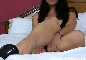 feet fetish, female domination, foot fetish, hd videos, japan bdsm, pov, pretty, stockings,