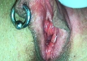 close up,hd videos,japan amateur,japan housewife,japan moms,japanese cunt,orgasm,piercings,pussy,vibrator,