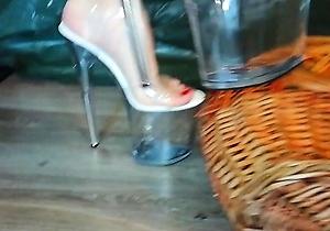 extreme sex,foot fetish,footjob,hd videos,heels,japan lady,japanese milf,