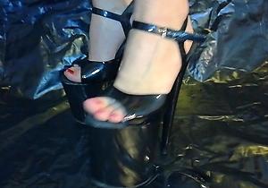 ebony,foot fetish,footjob,glasses,hd videos,heels,japan lady,