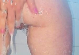 fingered,hd videos,japan amateur,japan brunettes,japanese milf,japanese with big boobs,masturbating,natural tits,shower,