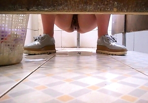 hd videos,pissing,toilet,young japanese,