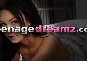 hd videos,masturbating,solo japanese,young japanese,